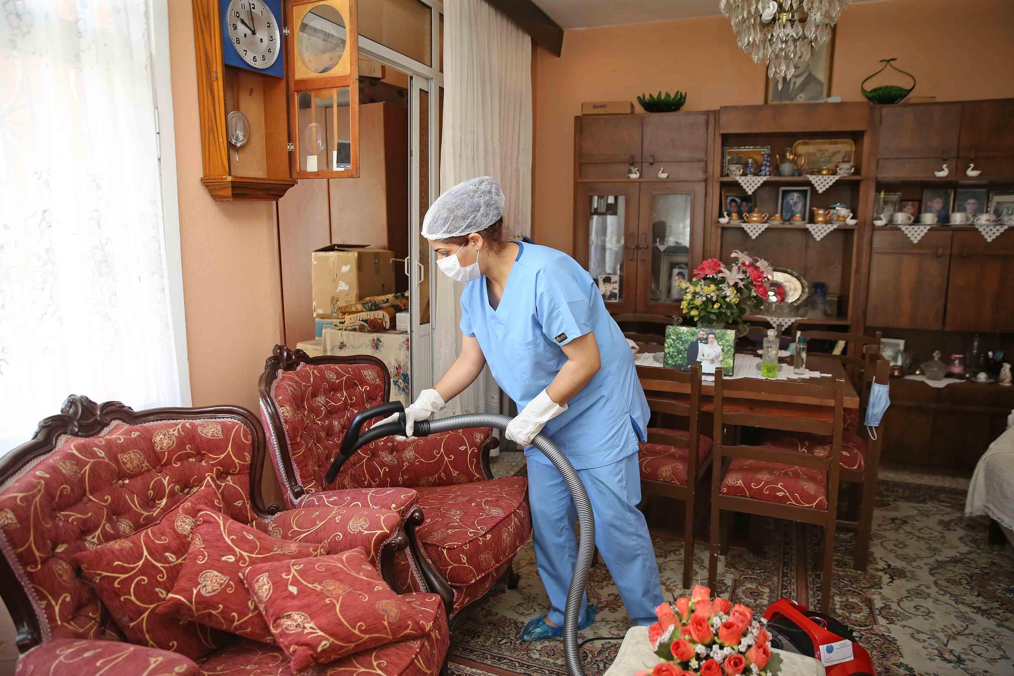 ESDEM'den vatandaşlara temizlik hizmeti