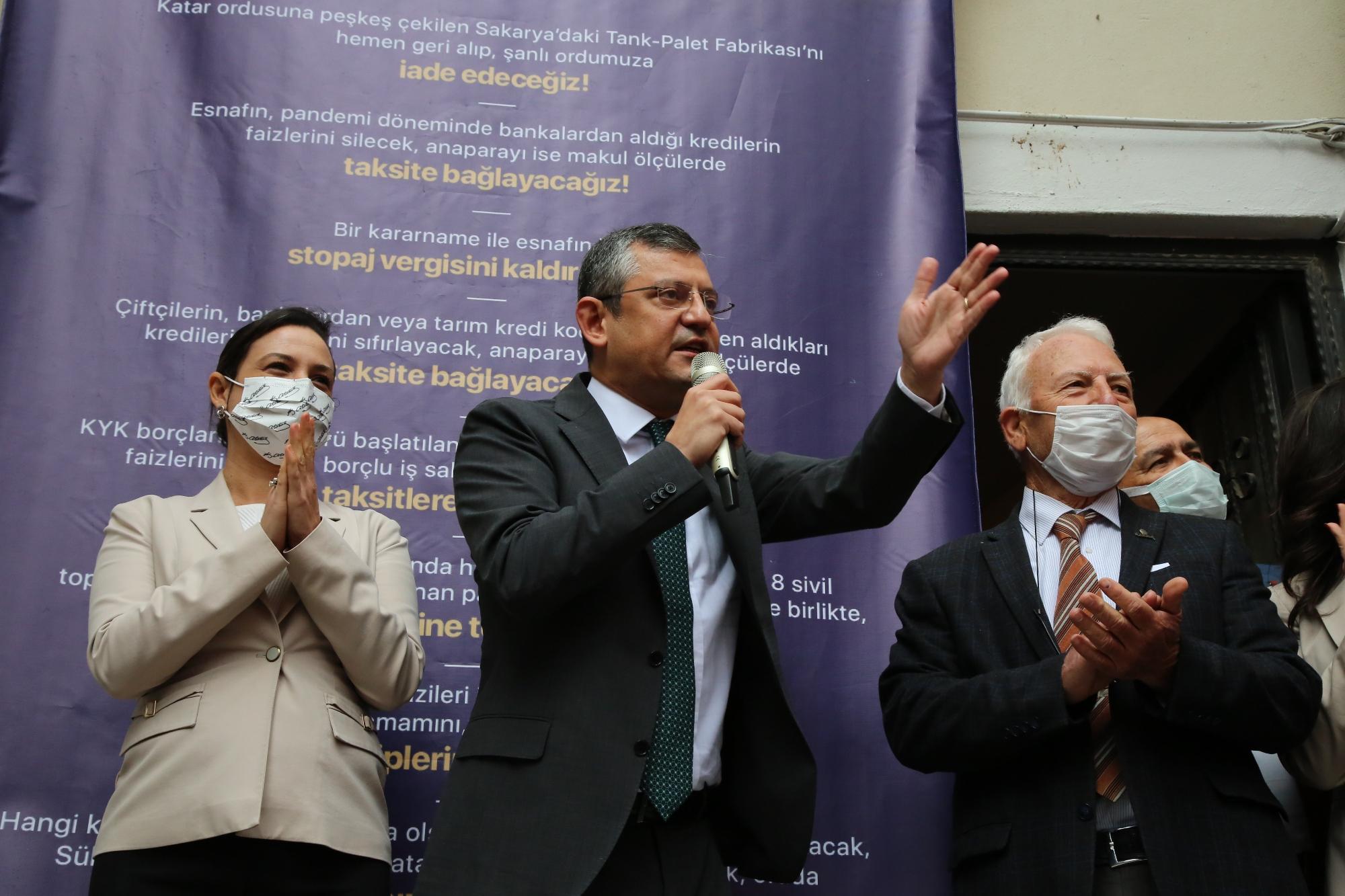 ÖZGÜR ÖZEL'DEN BAŞKAN SENGEL'E DESTEK ZİYARETİ: KARINCANIN DA KARDEŞİ VAR